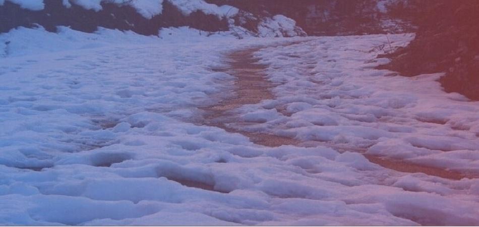 snowfall at munsiyari