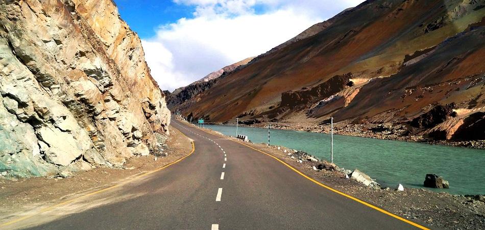 Leh manali road trips