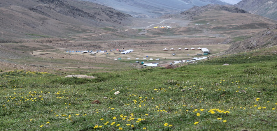 Tenzin camps chandrataal spiti valley