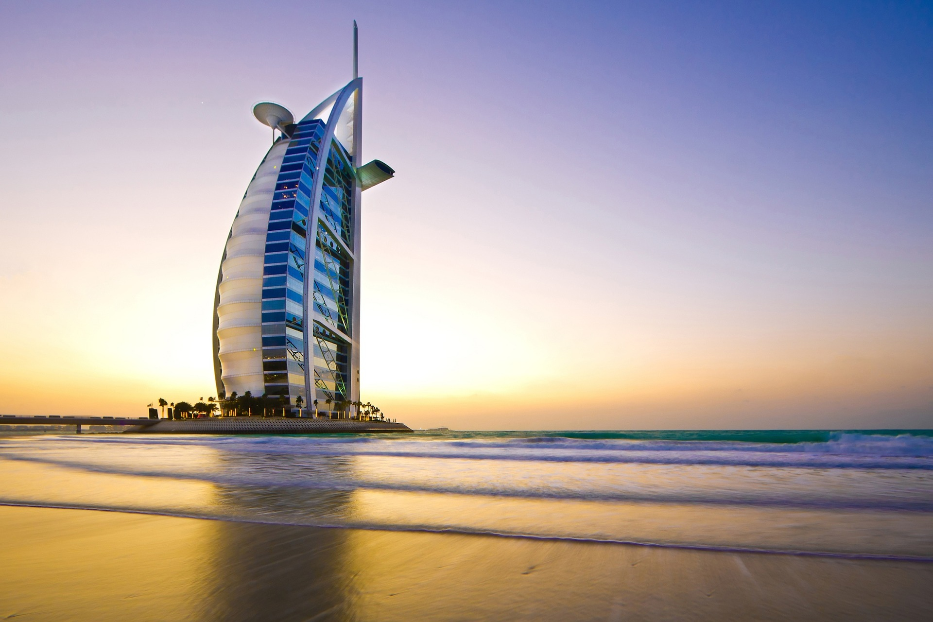plan Dubai vacation on a low budget